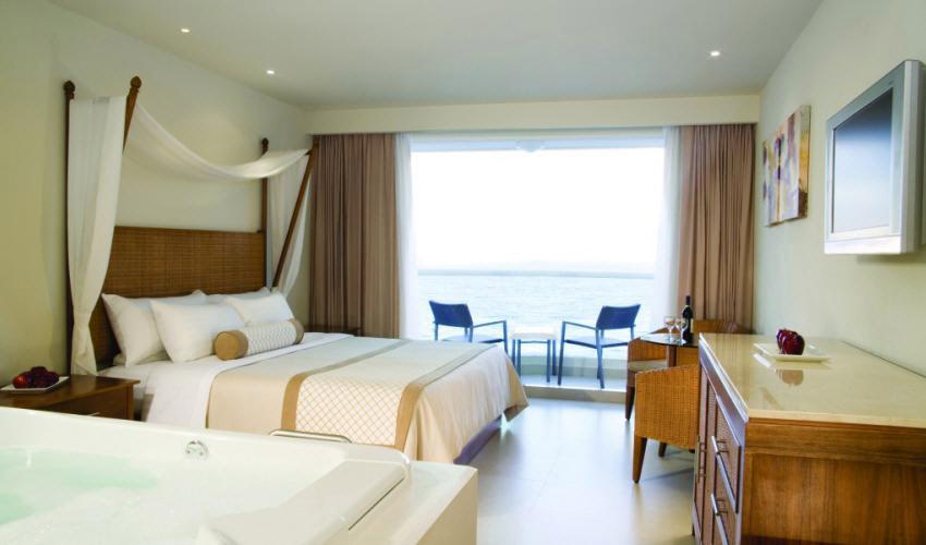 sun-palace-suite2