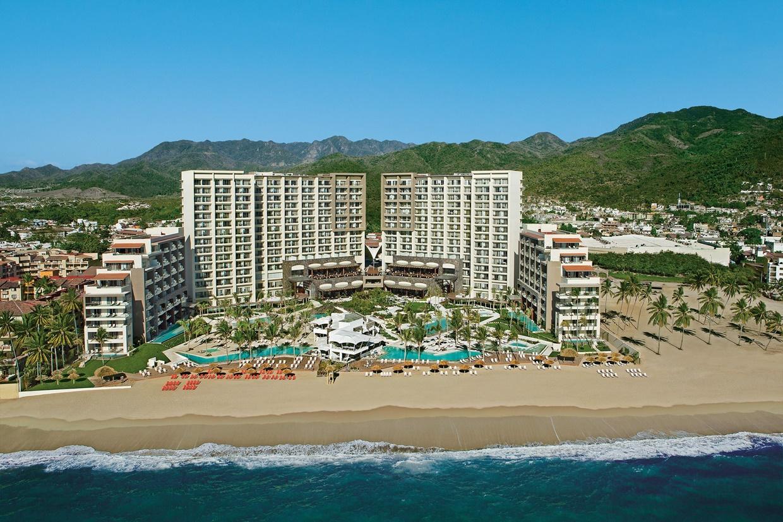 Secrets-Vallarta-Bay-Resort-Beach