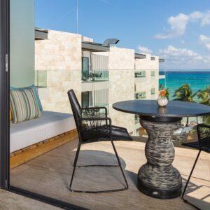 thompson-playa-del-carmen-patio